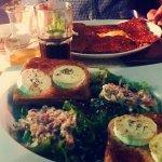 Crêpe salée et salade de chèvre avec ses lardons