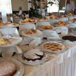 Parte del buffet della colazione