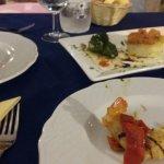 antipsto, tortino e polpette di pesce, gamberone panato