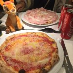 Pizza margherita speciale e pizza calvetti! Buonissime 😋