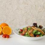 Σαλάτα με κοτόπουλο και πορτοκάλι