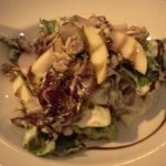Sałatką z gorgonzolą oraz gruszką