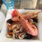 Voici la salade du pêcheur, cherchez l'erreur dans l'assiette!!!