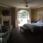 Beautiful Grounds and Spacious Rooms