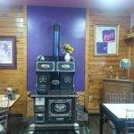 Photo de Bobkat's Purple Pie Place