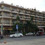 Photo de AMANJAYA Pancam Suites Hotel