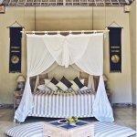 Pool villa (bed)