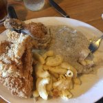 Fried chicken, mashed potatoes and gravy, Mac and cheese