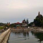 Toba Village Inn Foto
