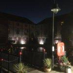 Photo de Premier Inn Milton Keynes South West (Furzton Lake) Hotel