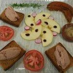 Très très belle assiette de foie gras maison et délicieuse