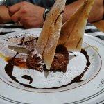 Un fabuleux dessert, mousse au chocolat et bricks caramélisées au beurre salé !