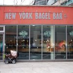 Die New York Bagel Bar von außen