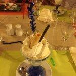 boules de glace avec chantilly