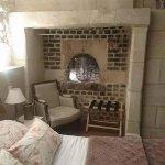 L'ancien four à pain de la maison transformé en chambre, vraiment charmant!