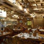 Restaurace s barem, toto je sotva čtvrtina celého prostoru