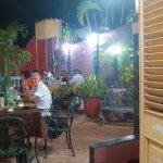 giardino interno per cena e colazione