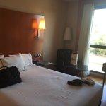 Photo de AC Hotel Zaragoza Los Enlaces