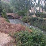 Rio y puente medieval