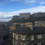 Photo de DoubleTree by Hilton Hotel Edinburgh City Centre