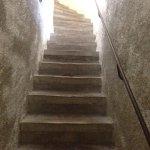 Aussicht von oben sowie Stufen direkt beim Aufstieg