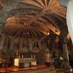 Photo de Colonia Guell - Gaudi Crypt