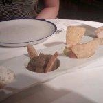Entrantes de dips , el de hummus estaba muy bueno .