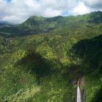Manawaiopuna Fllas (aka Jurassic Falls)