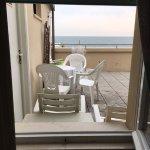 Vista dalla camera, terrazza comune e lavanderia/stenditoio