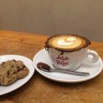 Photo de folie à deux - café & bistrô