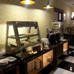 Hot foods station