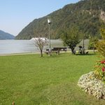 Hotelwiese an der Donau