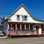 Mo's Family Restaurant, Accommodations and Tackle Shop