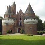 magnifique chateau fort et le parc + la roseraie