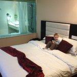 Independence Hotel, Resort & Spa Foto