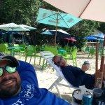 Photo de Dinghy's Beach Bar and Grill