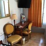 Photo de Brit Hotel Les Comtes de Champ