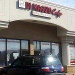 Front to Di Maggio Cafe