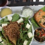 Baked salmon with pear salad and pear dressing