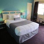 Queen Mountain View Room