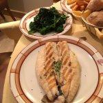 filets de poisson grillé, brocoli croquant : un régal