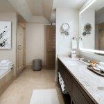 Canyon King Guestroom Bath