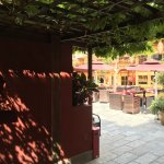 Photo de Red Wall Garden Hotel