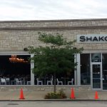 Front & entrance to Shakou with valet service