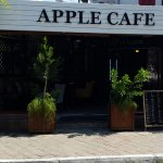 Front view of Apple Cafe
