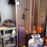 Поставили чемоданы, места больше не осталось