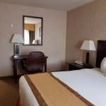 Photo de Quality Hotel & Suites Langley