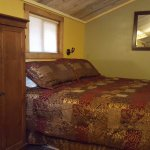Such a lovely small cabin. Great for couples getaway in the rockies.