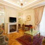 Grand Suite | Liiving Room