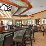 E Spot Bar & Lounge